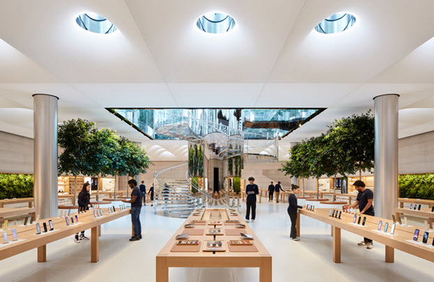 Apple 5th Avenue Store Interior